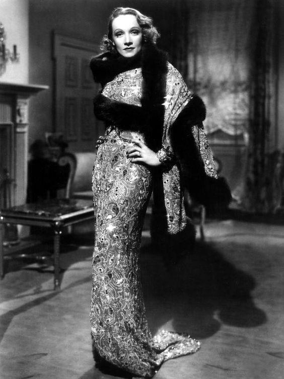 662bec461c6b1 ... Длинном платье с кристаллами Марлен Дитрих фильм Ангел, ...