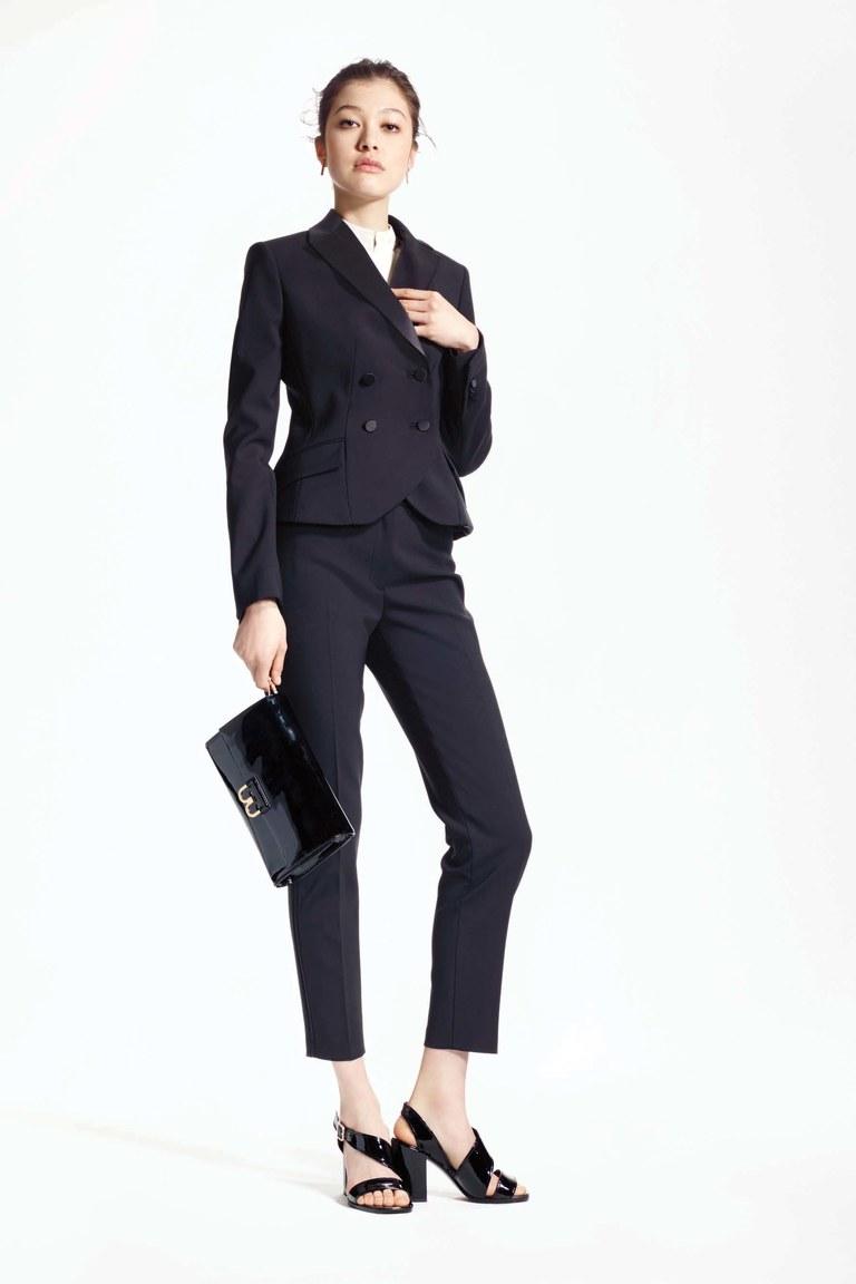 d21e141e5e1 Консервативный деловой костюм Hugo Консервативный деловой костюм  Профессиональный деловой костюм Mango Женственный деловой костюм  Женственный деловой костюм ...