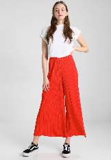 red_color_fashion_14