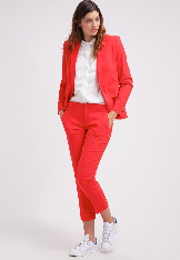 red_color_fashion_9