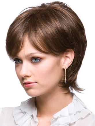 Удлинённые короткие стрижки женские