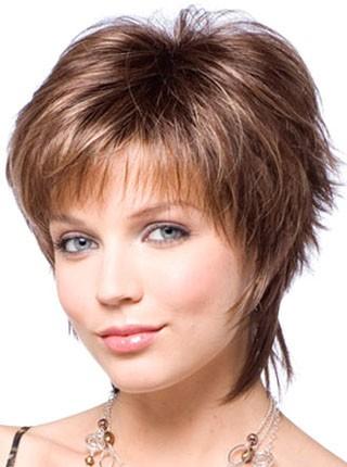 Фото на тему женские стрижки на полудлинный волос для полных женщин.