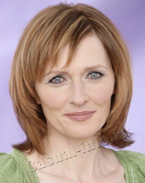 Фото причесок на среднюю длину волос для женщин среднего возраста