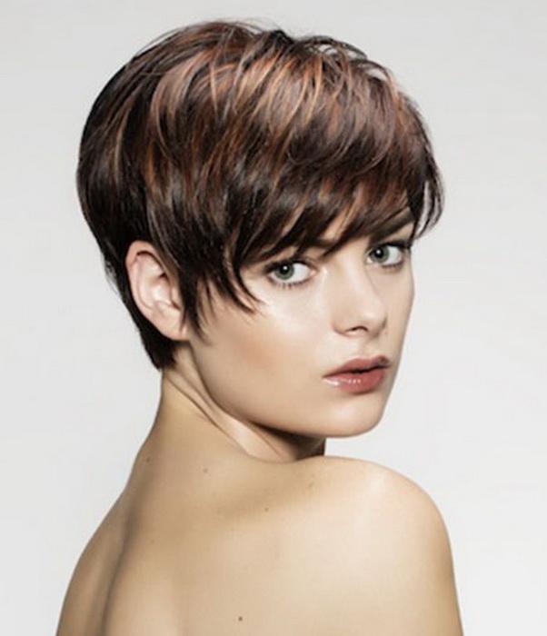 Стрижка короткая на мягких волосах