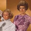 Модные блузки из синтетических тканей, 1970 год