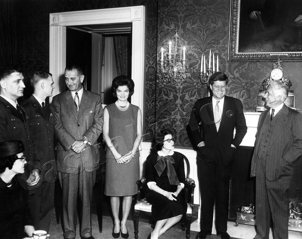 essay on jacqueline kennedy onassis Re built mass descriptive essay essay re mass built descriptive the pledge of allegiance in schools essay dbq jacqueline kennedy onassis, former first lady.