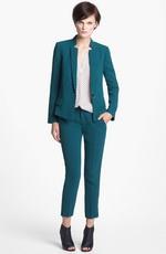 Сине-зеленые оттенки в деловой моде