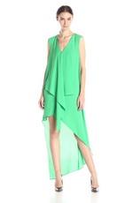 Светлые оттенки зеленого цвета в вечерней палитре должны быть яркими