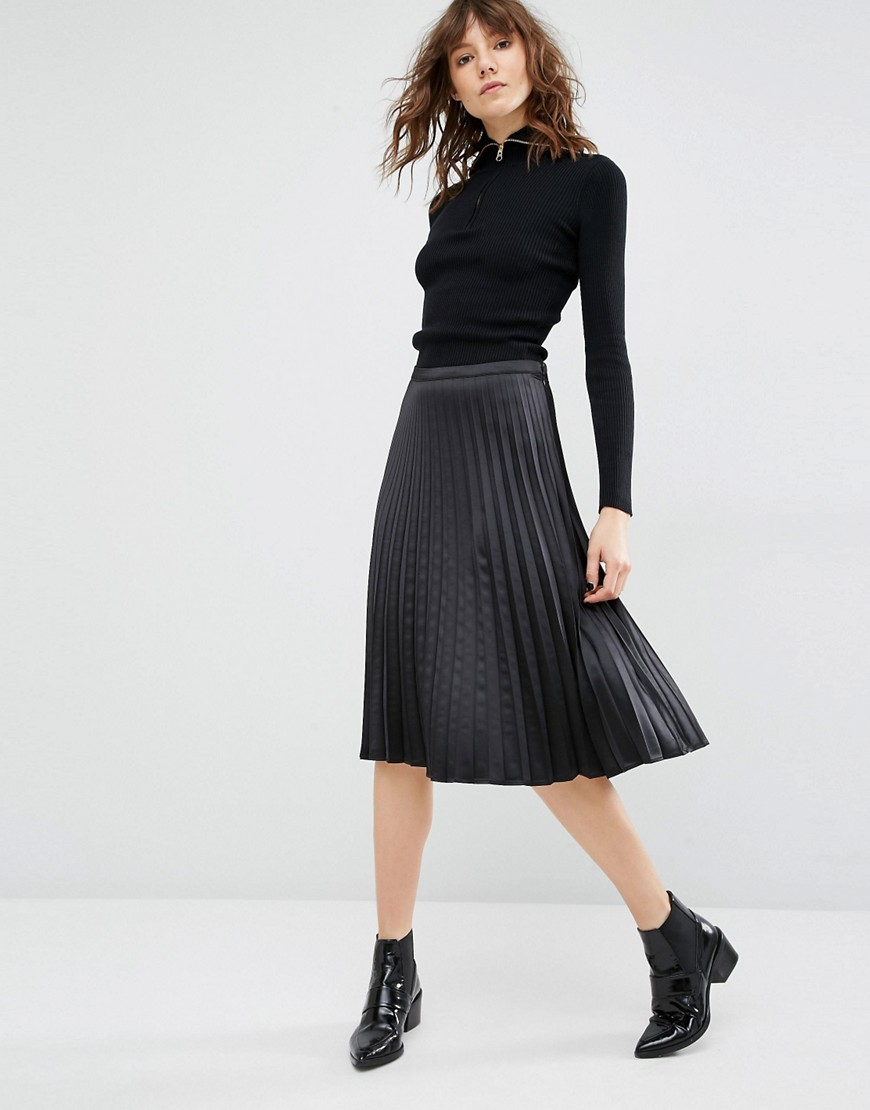 Чёрная плиссированная юбка купить